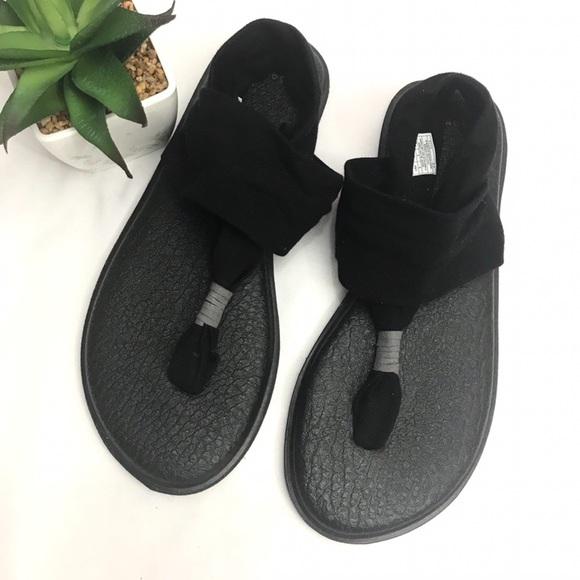 c4ba7d25cd3e Black Sanuk Yoga Mat Sandals 8 Like new. M 5bc7fe5803087c4c42056c0d